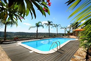 4 Bed Short Term Rental Villa Cumeada