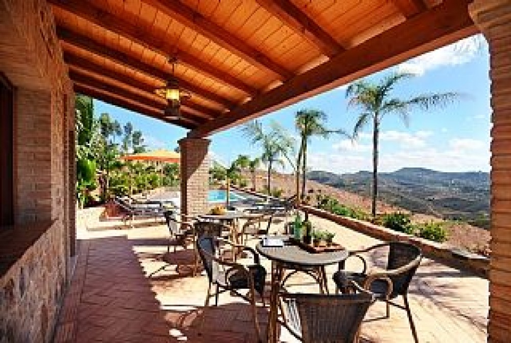 Cumeada vacation rental with