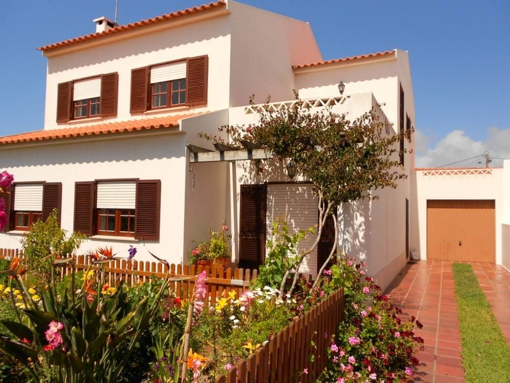 Lisbon vacation rental with House