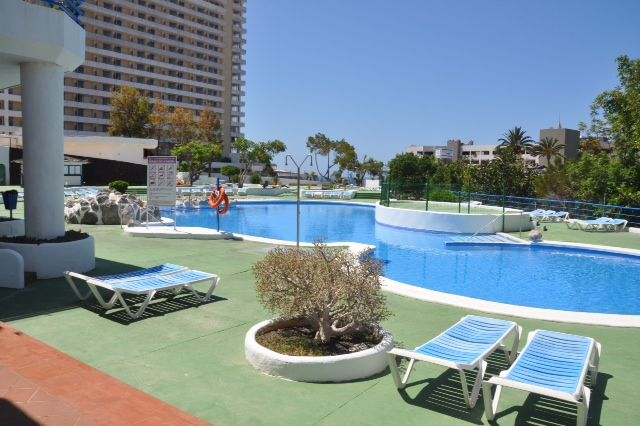 Studio apartment with pool facing the sea near Los Cristianos