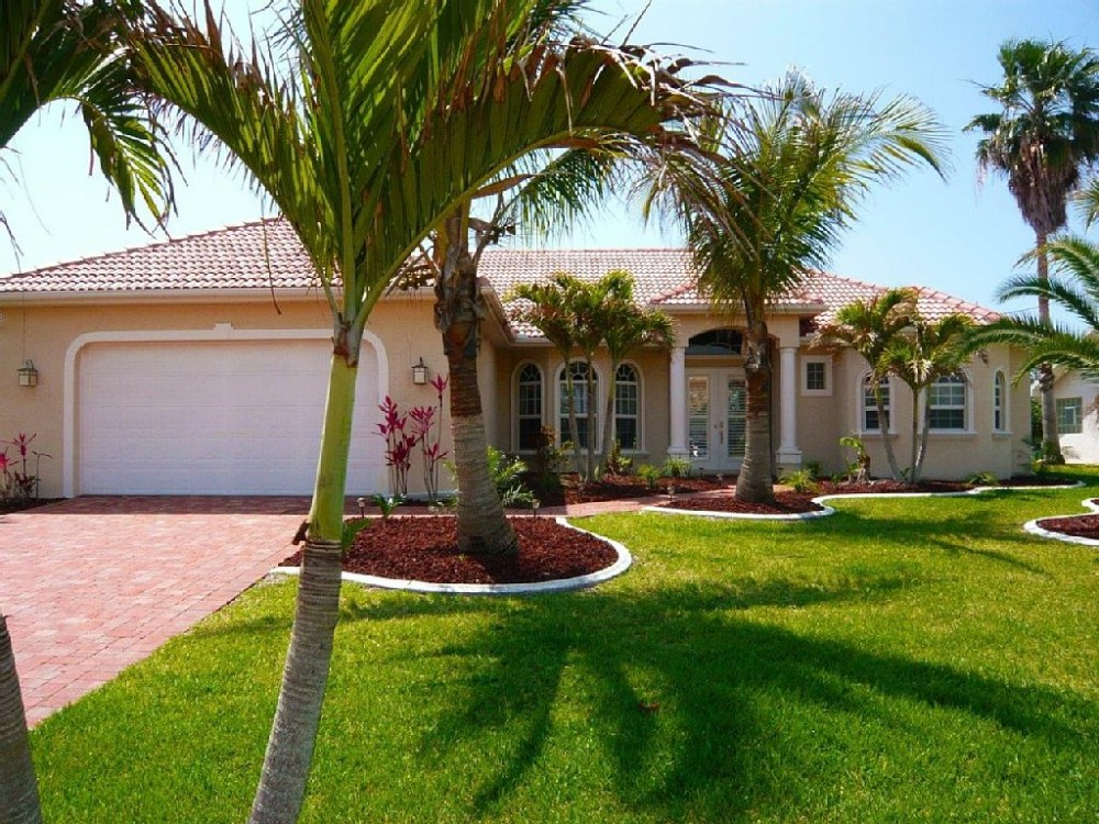 Cape Coral vacation rental with Streetview Villa Cape Florida