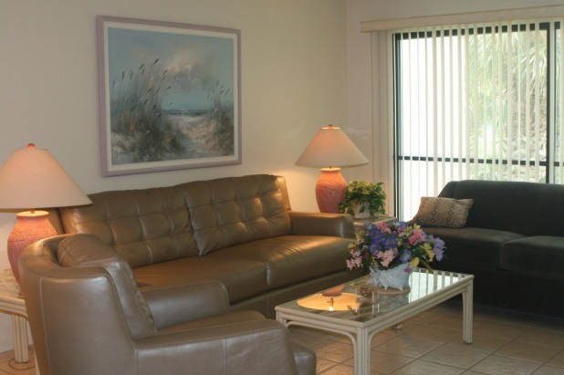 2 Bed Short Term Rental Condo Edgewater Beach