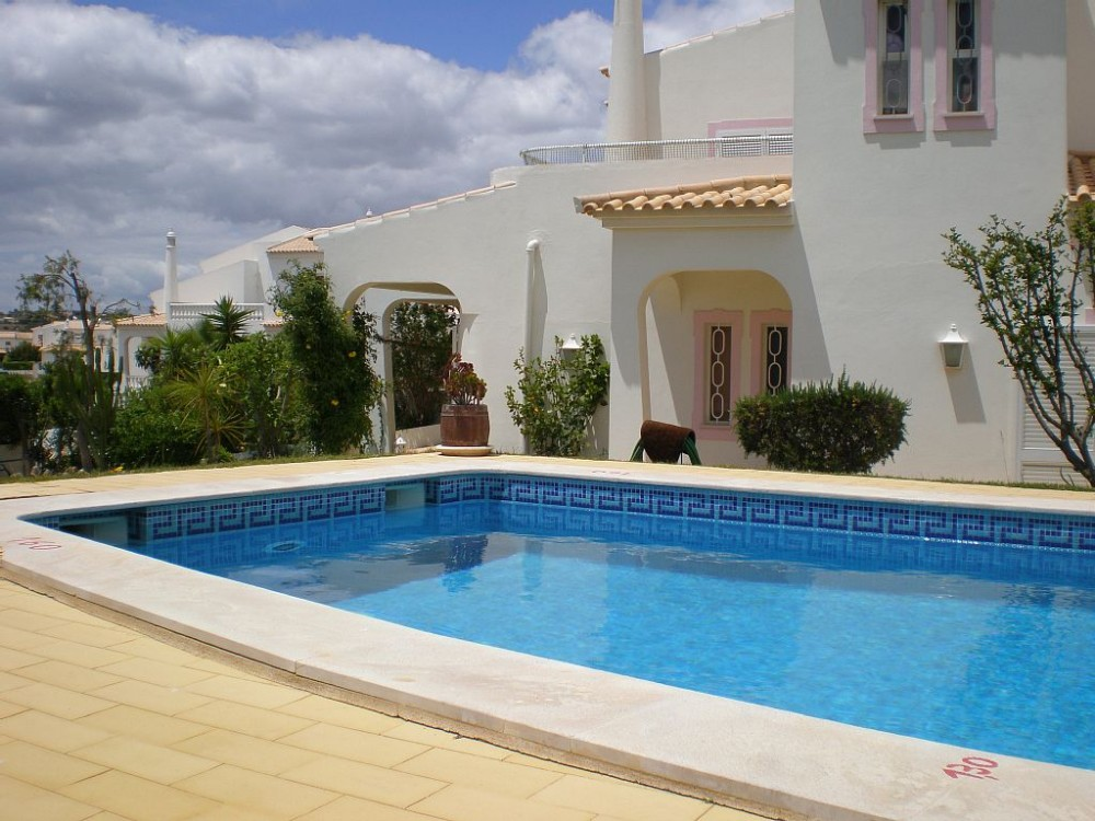Calicos vacation rental with Piscina