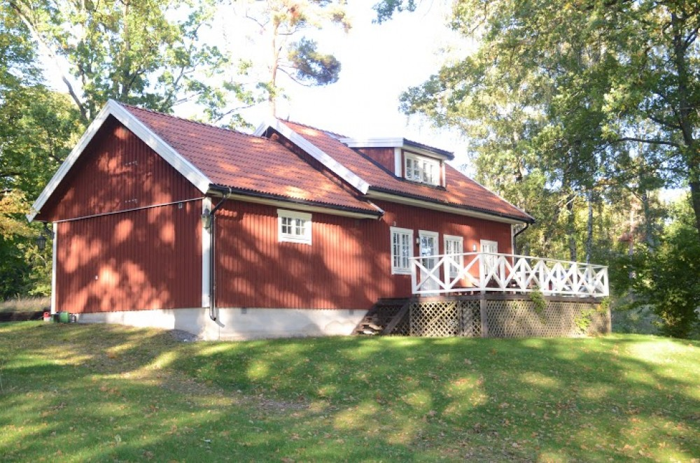 Vaxholm vacation rental with Cottage facing ocian