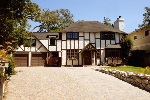 Tudor Rose Manor Large Family Reunion/Retreat Home