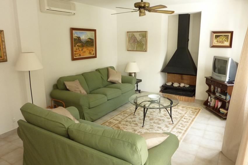 2 Bed Short Term Rental Apartment Pollenca