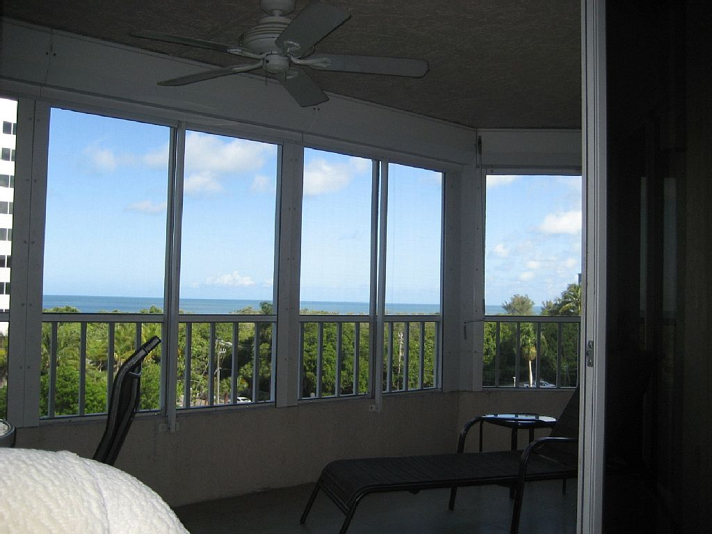 Direct Gulf View - Completely Remodeled to New - 70 Yards to Beach -Weekly Rents