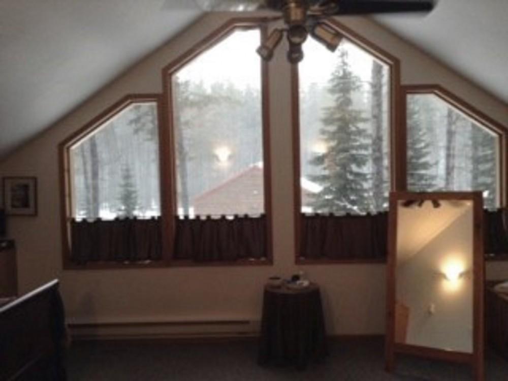 KING BEDROOM glacier national park vacation home