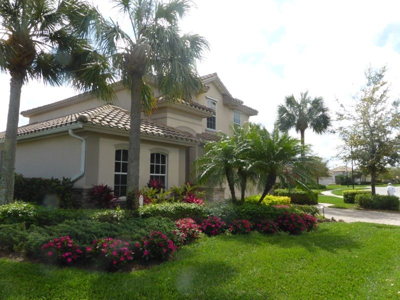 Beautiful, spacious, professionally decorated with pool & spa home - Florida Vacation Home