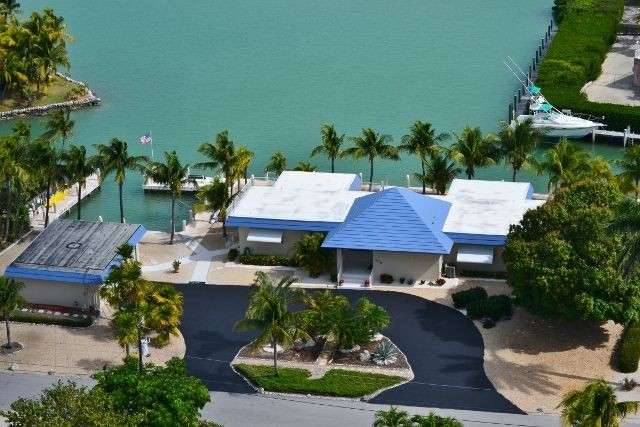 Sombrero Beachside Getaway W/ Heated Pool & Jacuzzi -Marathon Vacation Homes