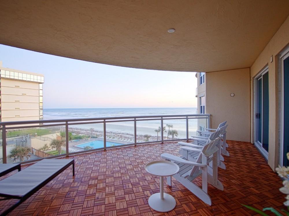 daytona beach vacation rental with 500 sf Balcony