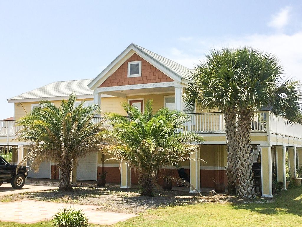 Cute And Cozy Beach House, Perfect For Your Family Getaway! -  Pensacola Beach Vacation Homes