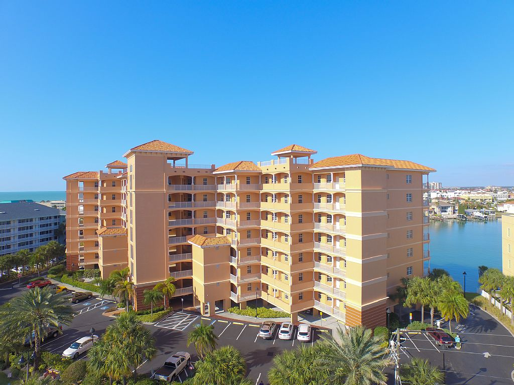 Elegant Condo-Clearwater Beach - Florida Vacation Homes