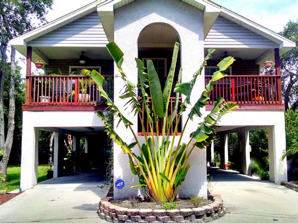 tampa vacation rental with TreeHouse