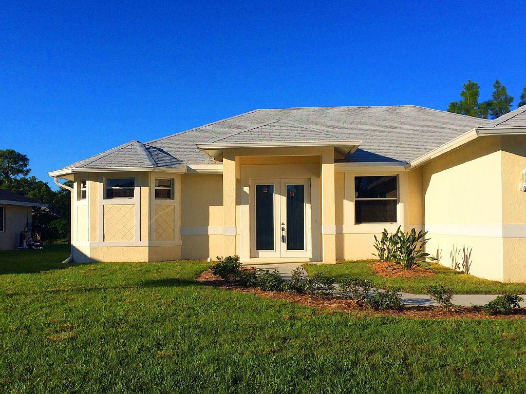 3 Bed Short Term Rental Villa Bonita Springs