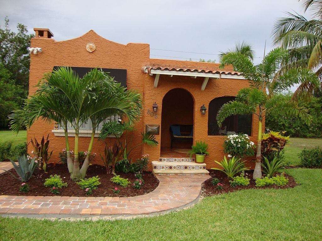 1923 Spanish Style Casa-walk to Atlantic/Beach