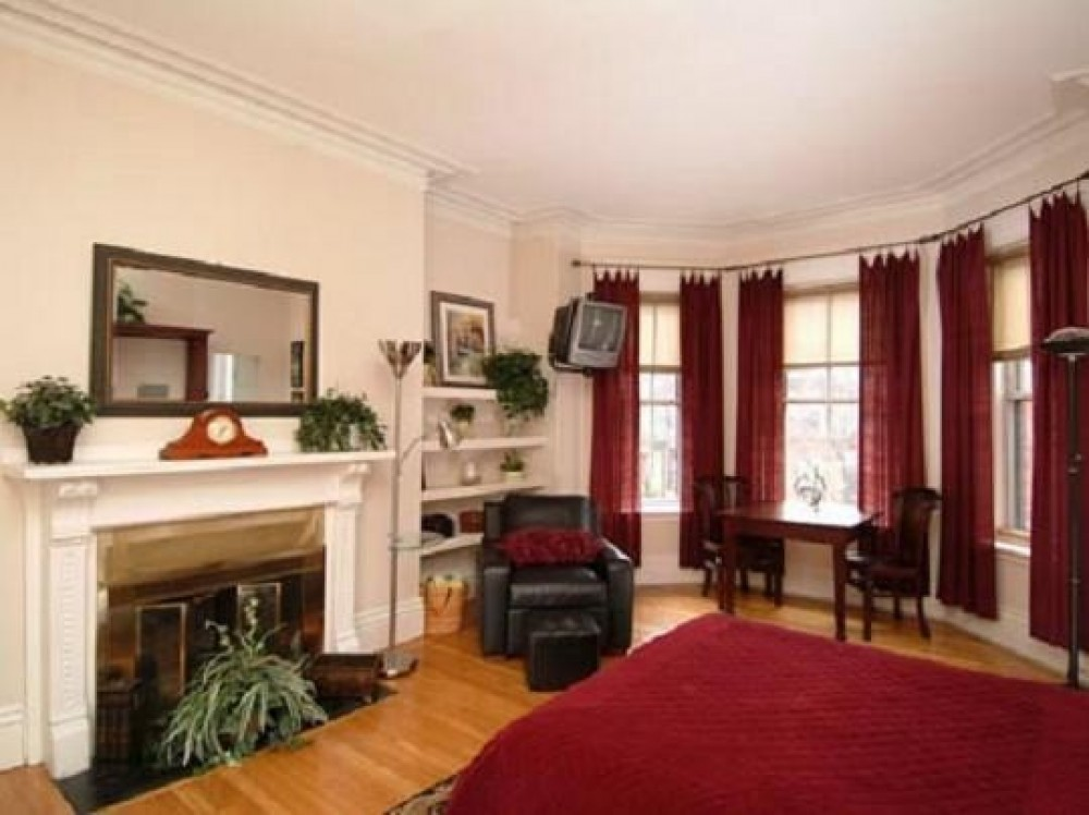 boston vacation rental with living room
