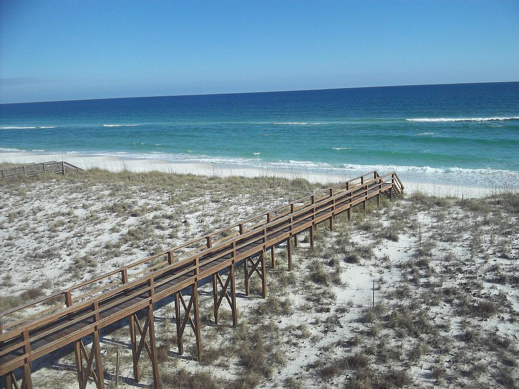 Sandollar Penthouse Gulf Front End Unit 2 Bedroom Best Deal on the Gulf