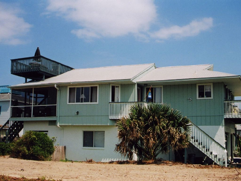 Bright and Airy Ocean View Home with Roof Top Deck 86 Steps to the Sand and Clea