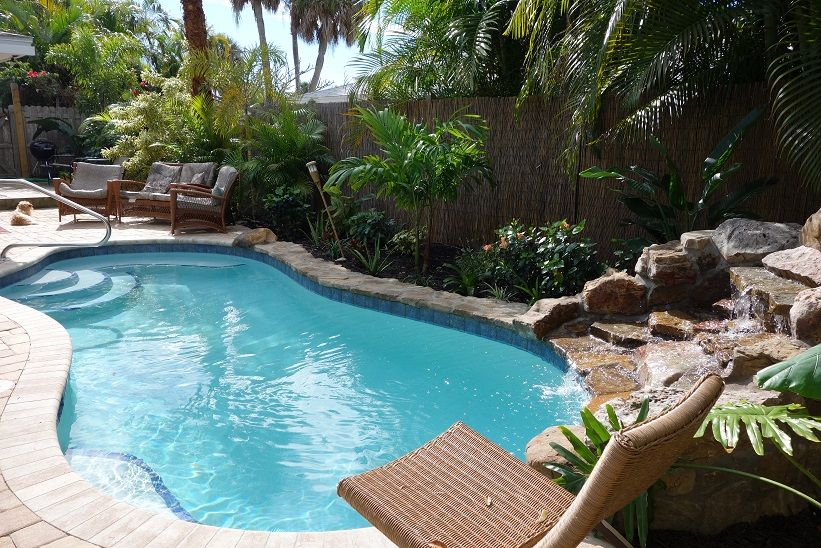 Steps to Beach. Beautiful 4 Bdrm+. Private Heated Pool. Kid Ready. No Stairs!
