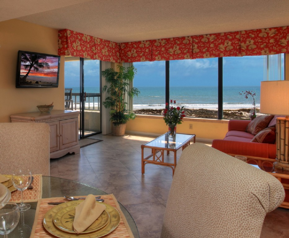 On The Beach, Panoramic Ocean Views, 2 Pools, WiFi, HDTV, Tennis, Private Resort