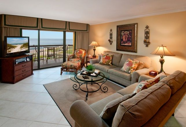 Stunning oceanfront penthouse, completely remodeled - 2 King Beds, 2 Full Baths
