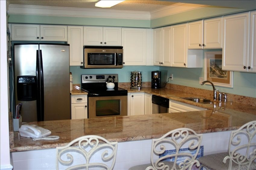 Superior 3BR/3BA Oceanfront Condominium with Elevator and Pool
