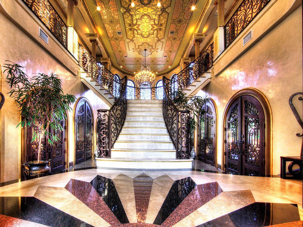 Elegant European-like Palace - Villa Adriana - a Waterfront Beauty