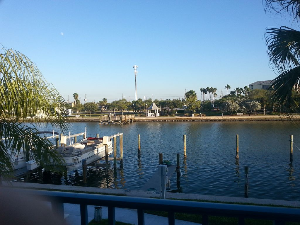 WATERFRONT - Madeira Beach Yacht Club 2 BR 1 Bath Condo, Florida- Intercoastal