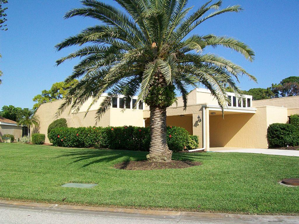 Florida Villa on the IMG Golf Course