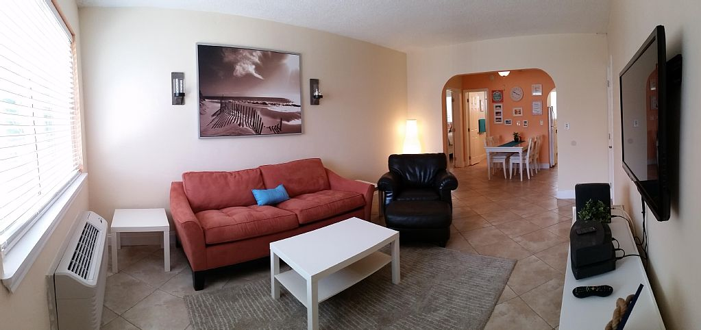 Water, Cable TV and Internet included ! Dog Friendly ! Fully Furnished ! Walk to Beach !