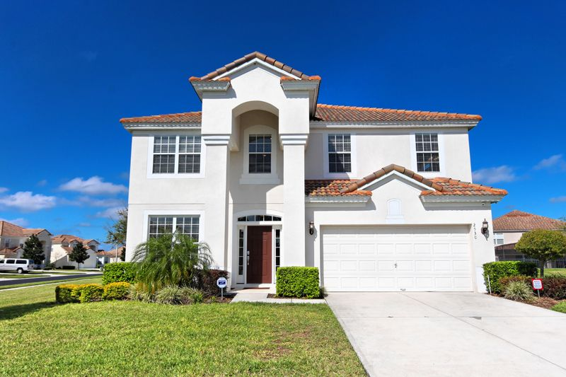 WINDSOR HILLS LUXURY VILLA 6BED/4BA, 2 MILES FROM DISNEY 4 KING BEDS AND 4 TWINS