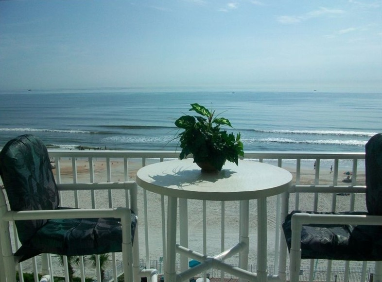 Oceanfront Studio-Balcony-Best View-Location & Price