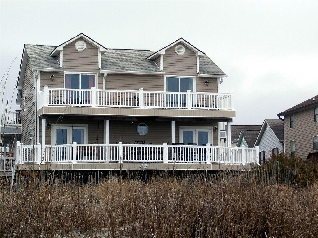 5 BR /3BA Spectacular Oceanfront Beach House  1172 seaside drive in ocean lakes myrtke beach sc