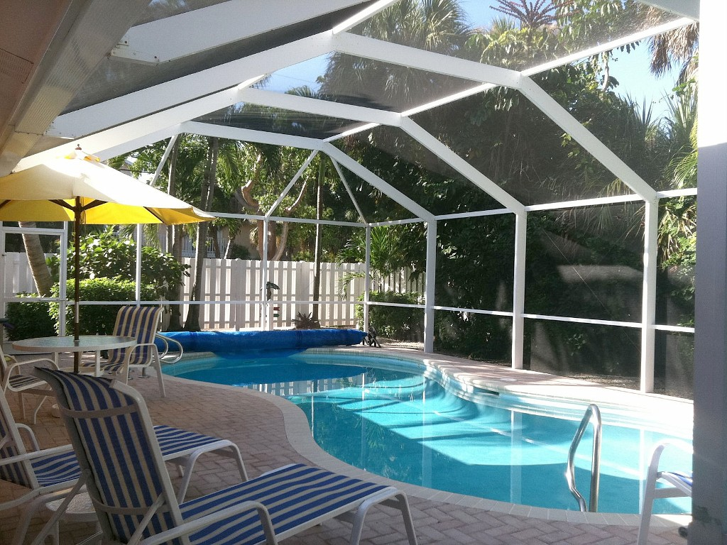 Relaxing Near Beach Home with secluded private pool and lots of amenities