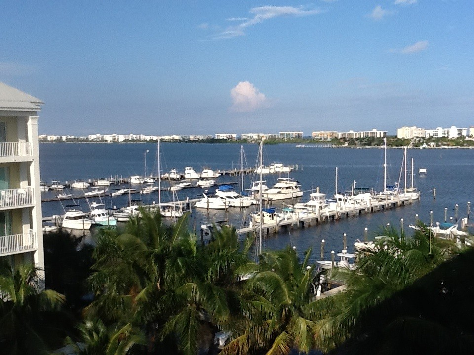 Palm Beach Area Newly Remodeled Waterview Penthouse