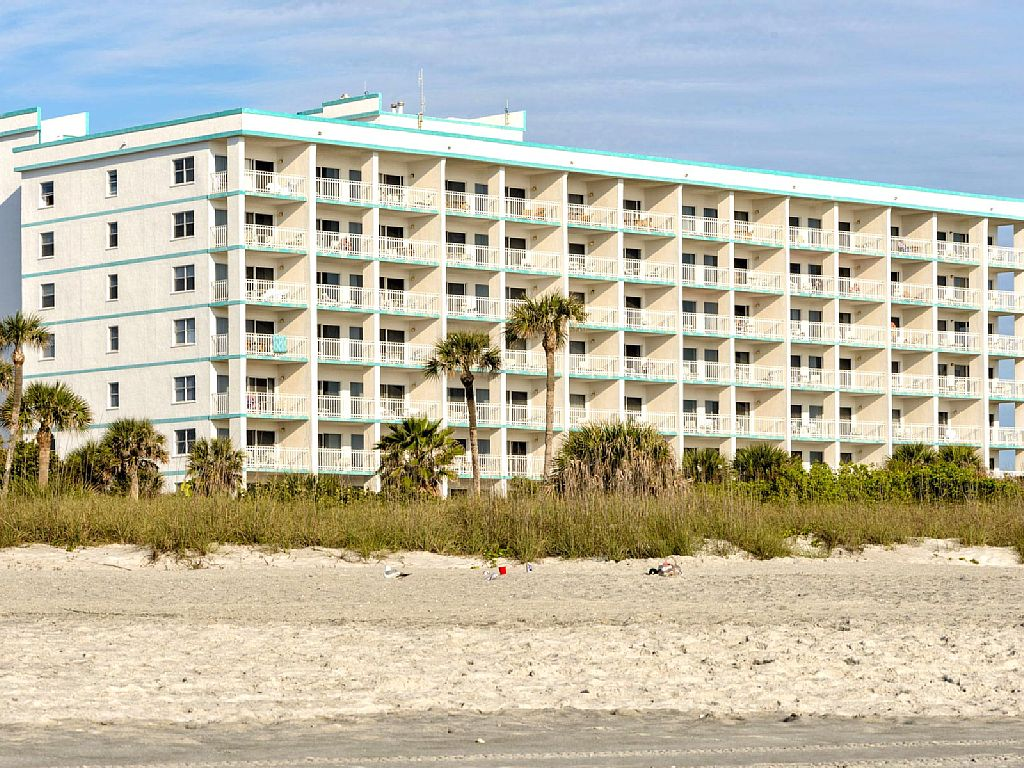 Excellent Location! 2 Bedroom Condo on Cocoa Beach - Ocean Front