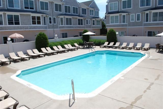 Diamond Beach - 3 BR / 2 BA Condo with Pool