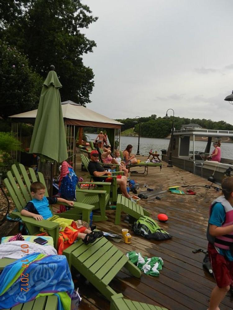 Lake Front Retreat and Resort 15 Minutes from Crystal Bridges Art/Walmart Museum