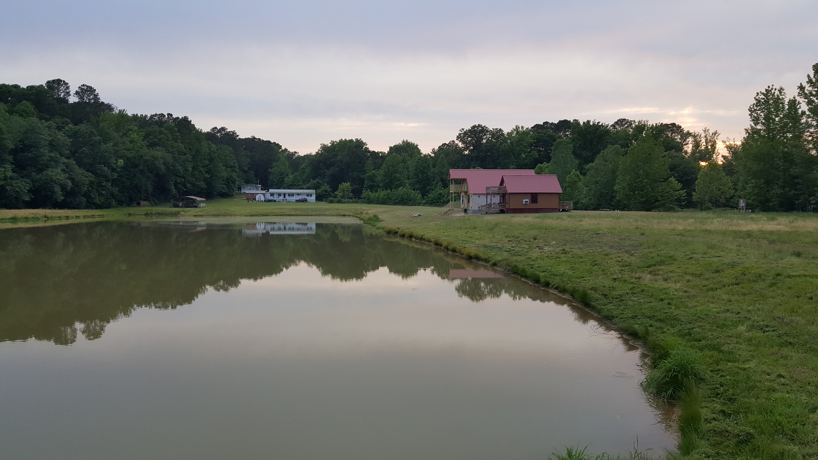 Large 4 Bedroom Great Fishing, Hunting, Recreation, and Quiet