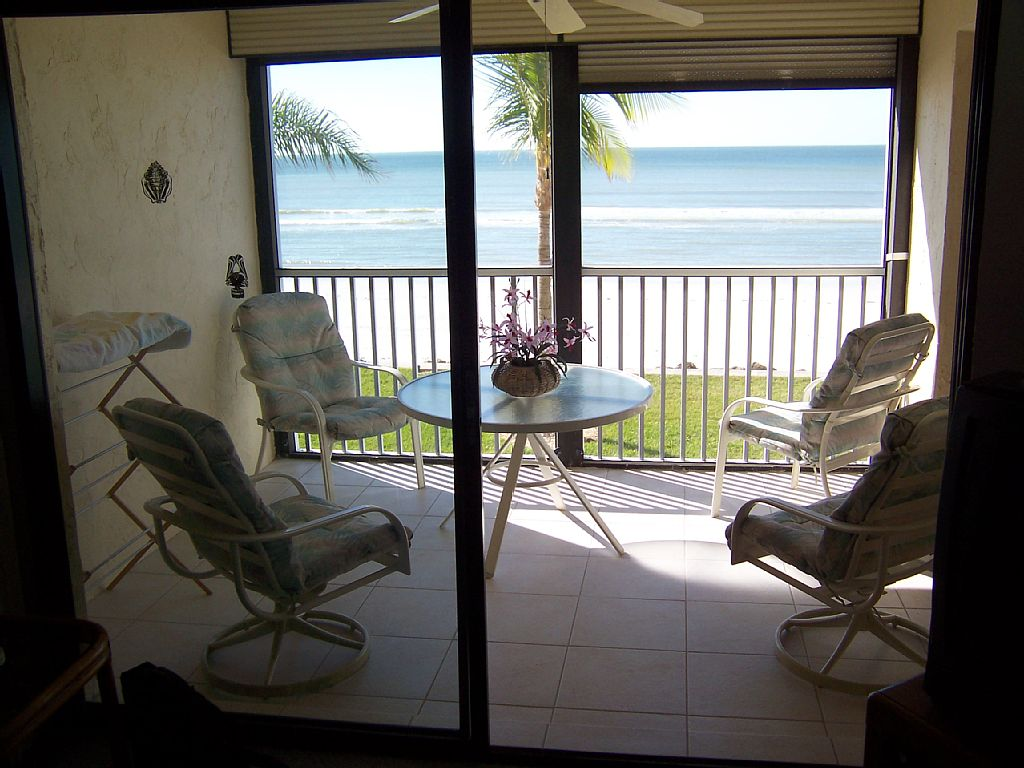 2 Bed Short Term Rental Condo fort myers