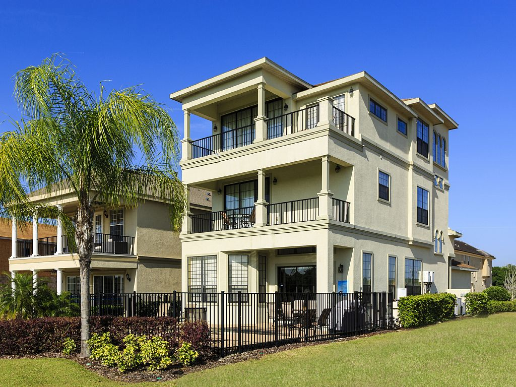 Reunion 3 Story Luxury Home w/golf view, extended pool deck and game rooms