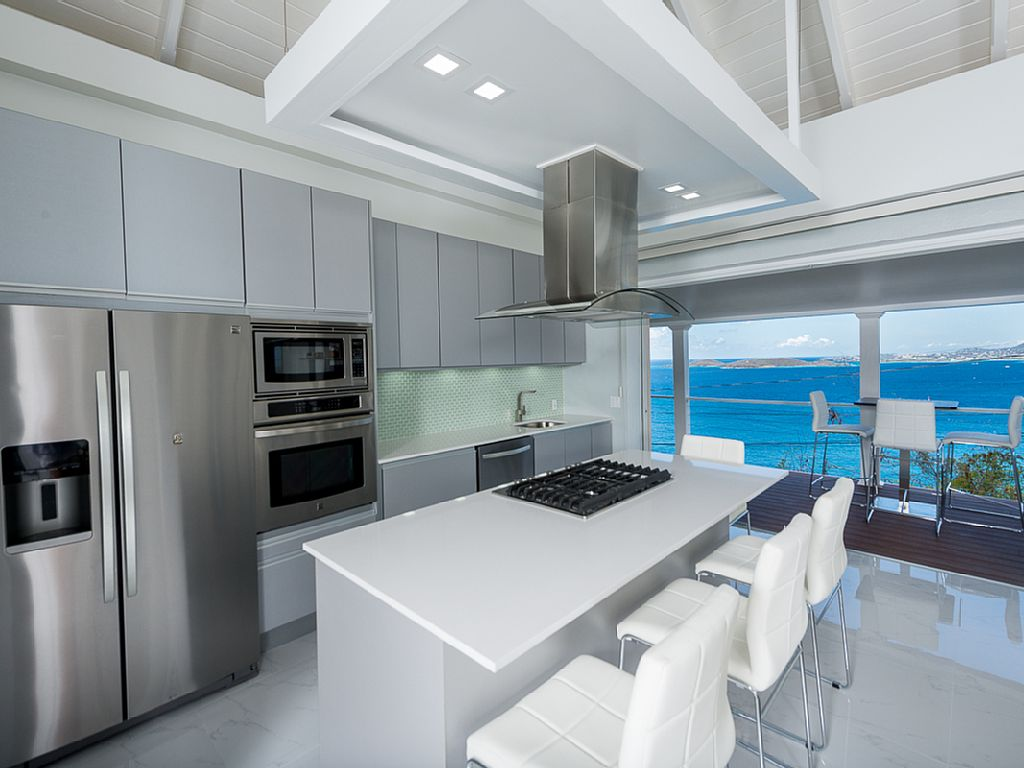 Brand New, Ultra Modern Cottage with Multiple Ocean Views, for Two