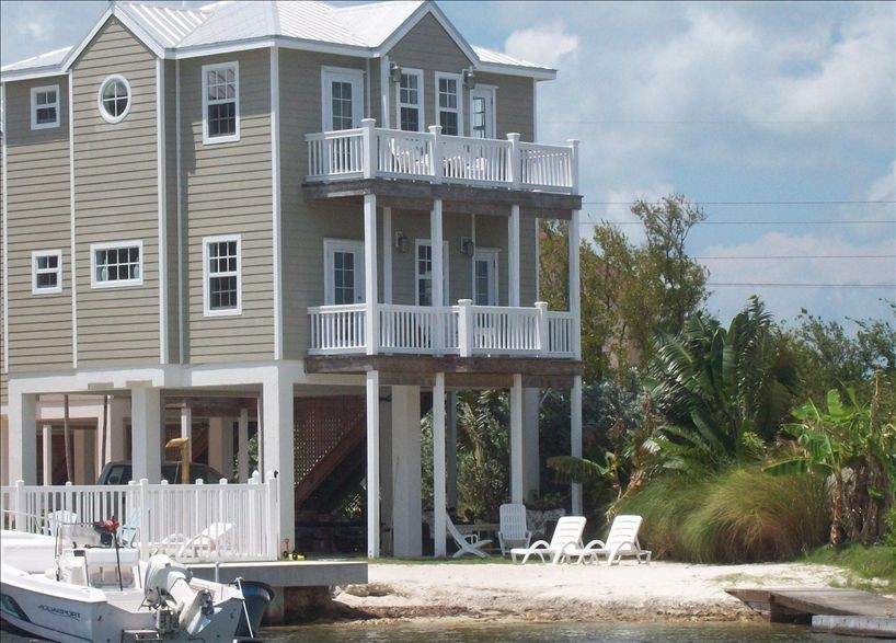 Luxurious Oceanfront Home on Beach, Pool, Dock, Kayaks, Bikes, Gorgeous Views