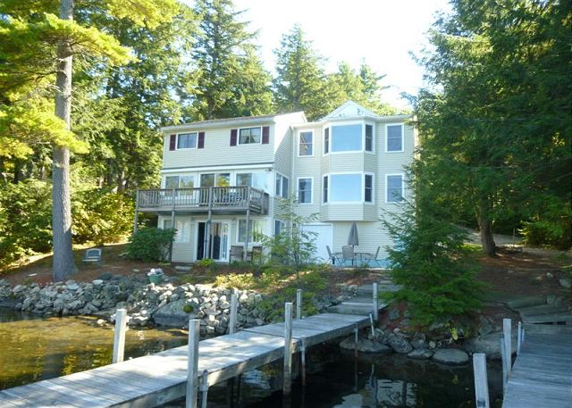 Winnipesaukee Waterfront, Meredith for 10! Great Location-Recently Renovated!
