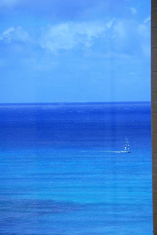 Ocean View Penthouse, 1 Bedroom Sleeps 4+, Free Parking & Wifi, Family Friendly