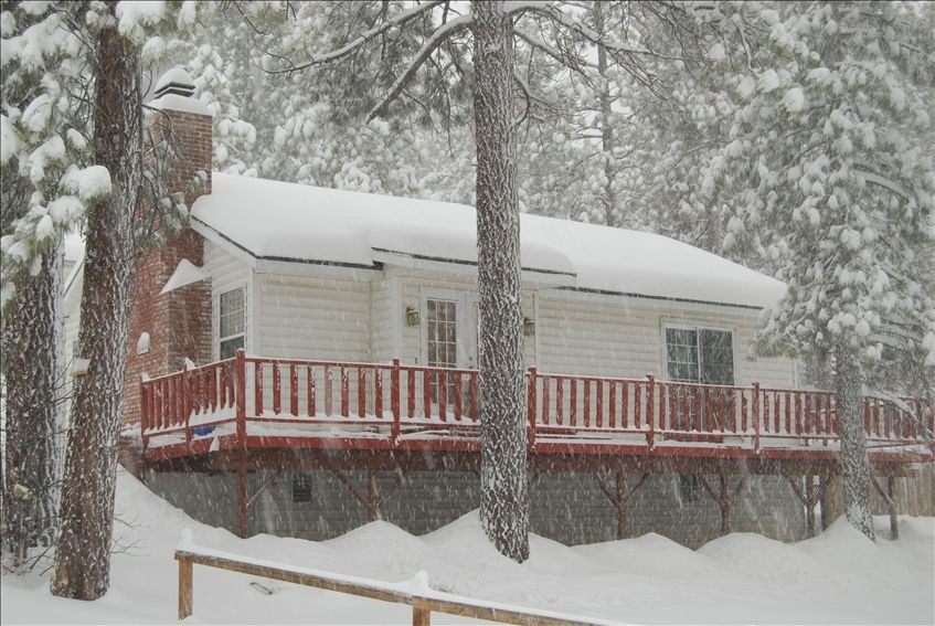 Best Location in Big Bear!! Walk to the Village and the Lake