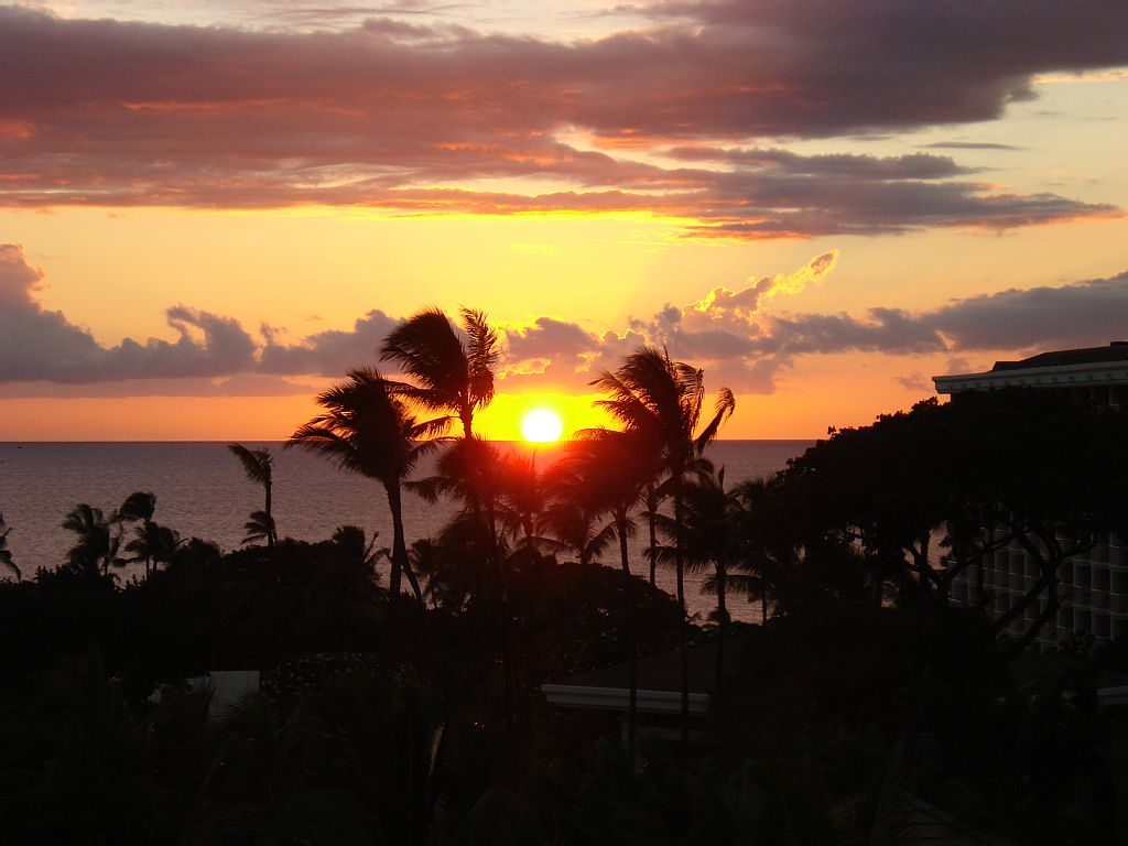 Ocean View, Close to Beach & Pool Sleeps 10-$695 for All Avail Dates in July & Aug !