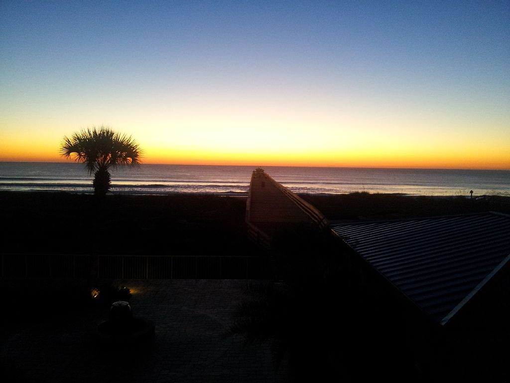 Amelia by the Sea - 3 BR- Oceanfront - Private Fishing Pier -