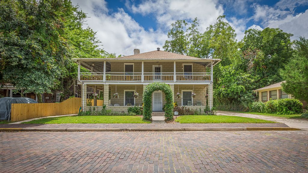 Historic Downtown Vacation Home Rental